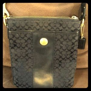 Black Coach fabric/leather, classic crossbody.